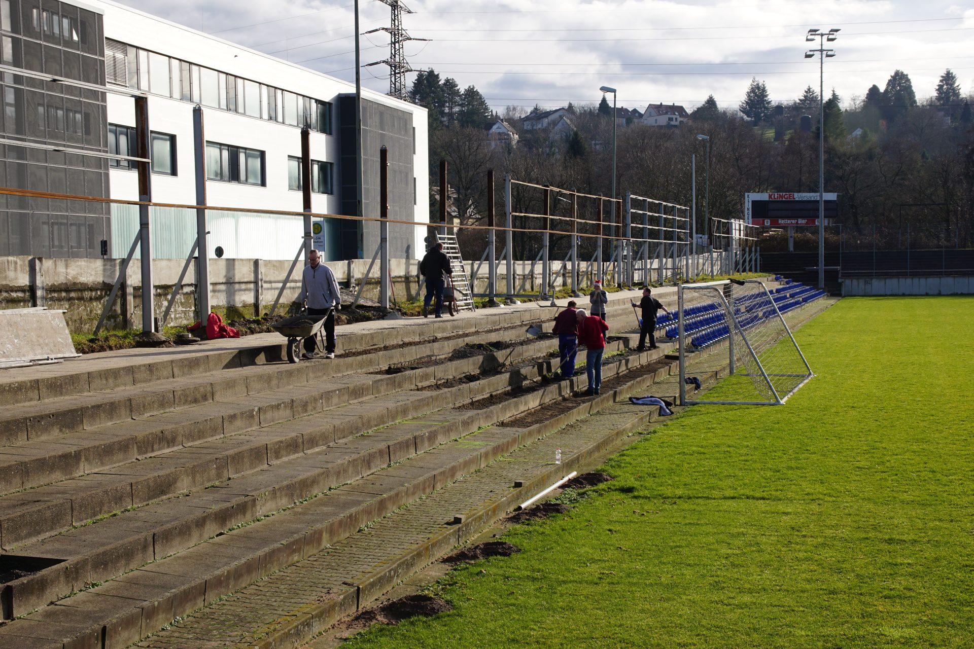 Wieder Arbeitseinsatz – Stadionumbau macht sichtbar Fortschritte